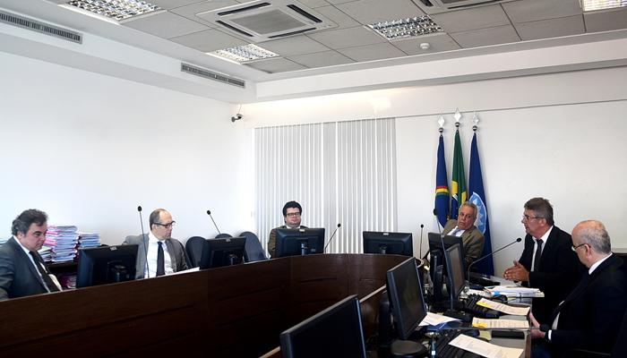 https://www.tce.pe.gov.br/internet/images/Segunda_Camara_19.07.jpg