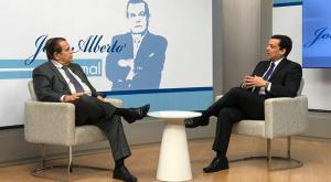 Carlos Neves é entrevistado de João Alberto